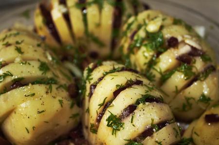 Patate con tartufo, dal forno alla tavola due prelibatezze pugliesi