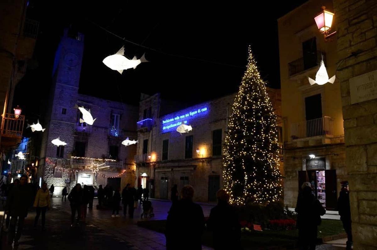 Apriti Ruvo, 21 negozi pronti per Natale nel centro storico