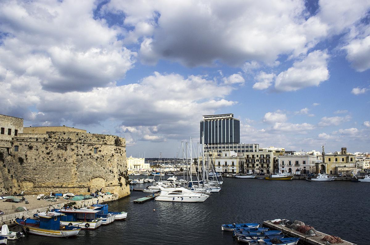 Weekend piovoso nel Salento, fitte nubi sulla Puglia