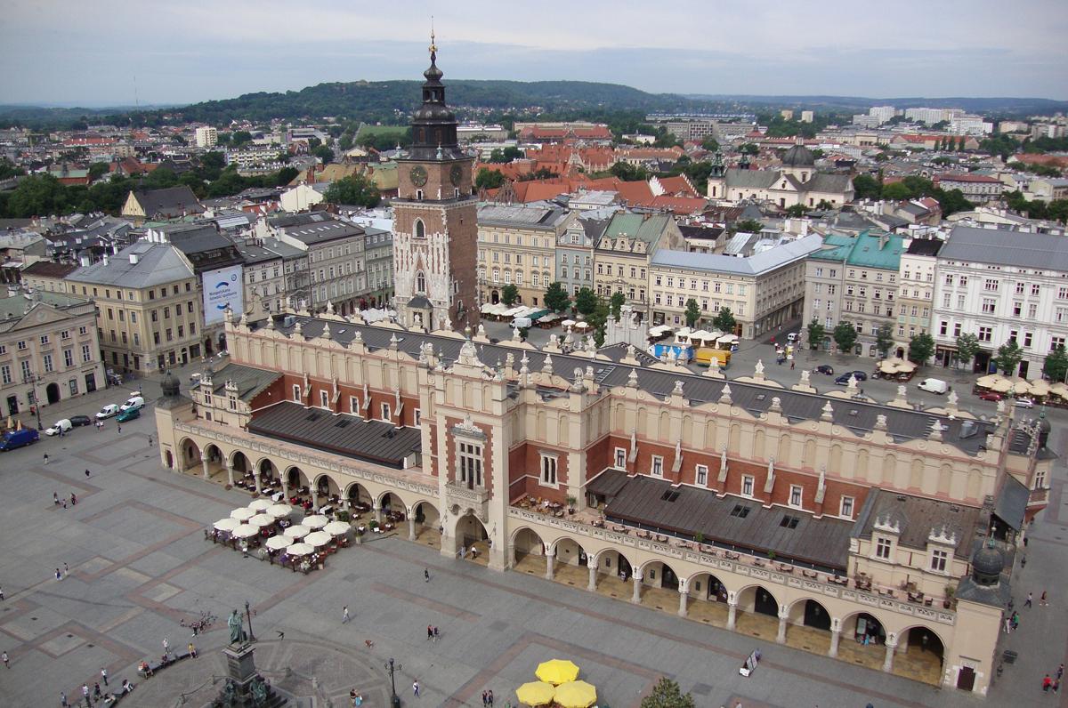 Polonia più vicina alla Puglia, dal 2019 il volo diretto Bari – Cracovia