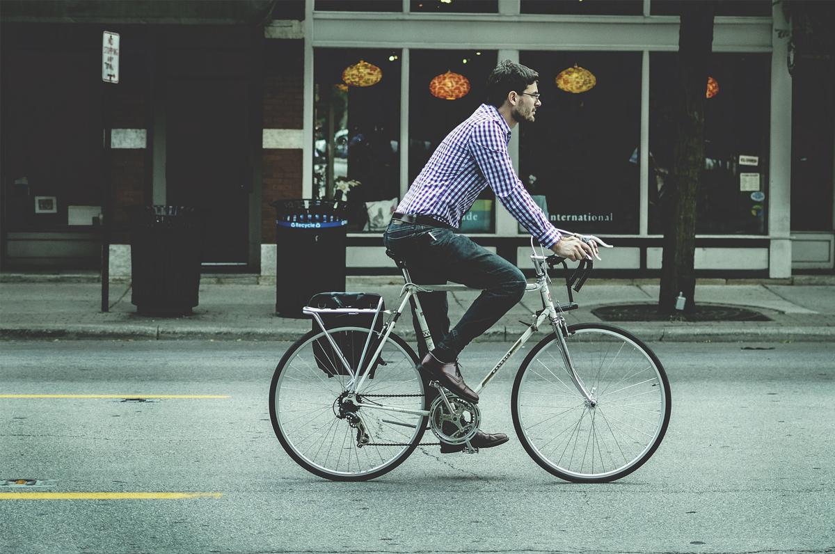 Bici, pedalare per andare a lavoro premierà i Baresi