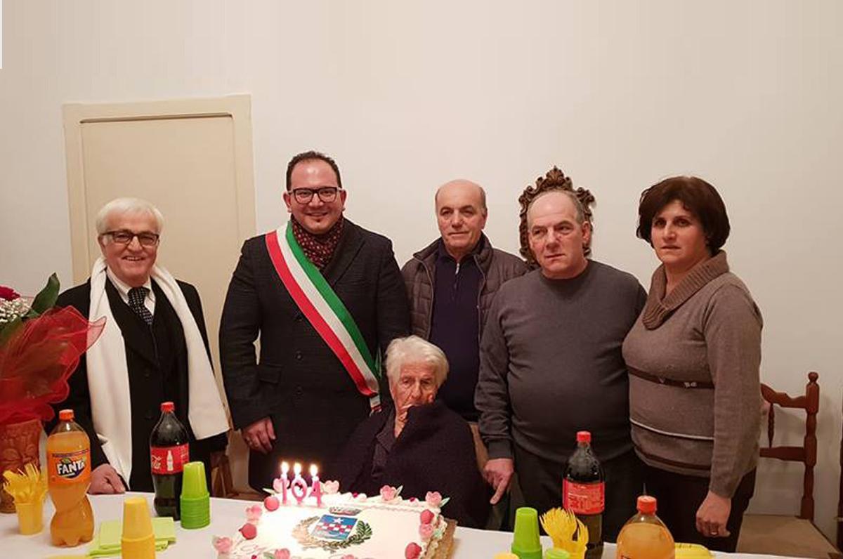 Nonna Maria di San Michele Salentino ha compiuto 104 anni