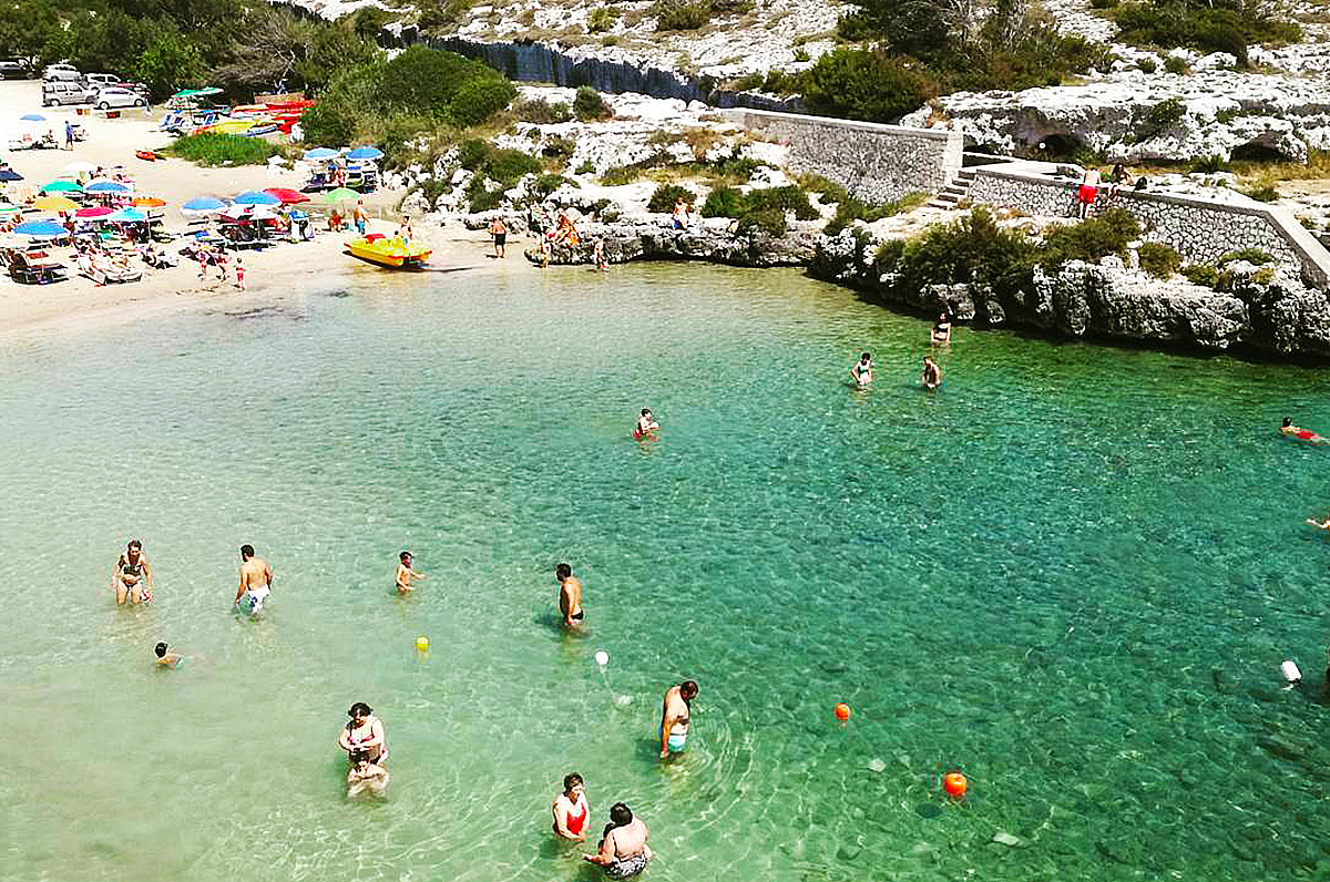 Come arrivare in Puglia in bus, treno, aereo e traghetto