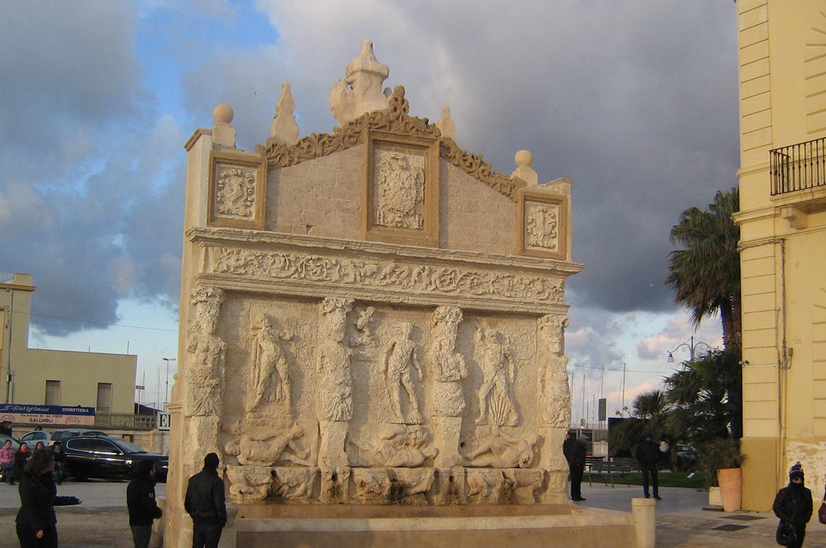 Fontana greco-romana, l'emblema della Gallipoli antica