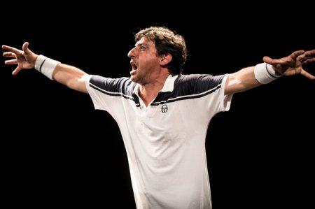 """""""Roger"""", l'impossibile match tra Solfrizzi e Federer a Ceglie Messapica"""