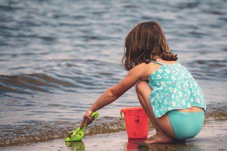 Bandiere verdi, 16 spiagge a prova di bambino in Puglia