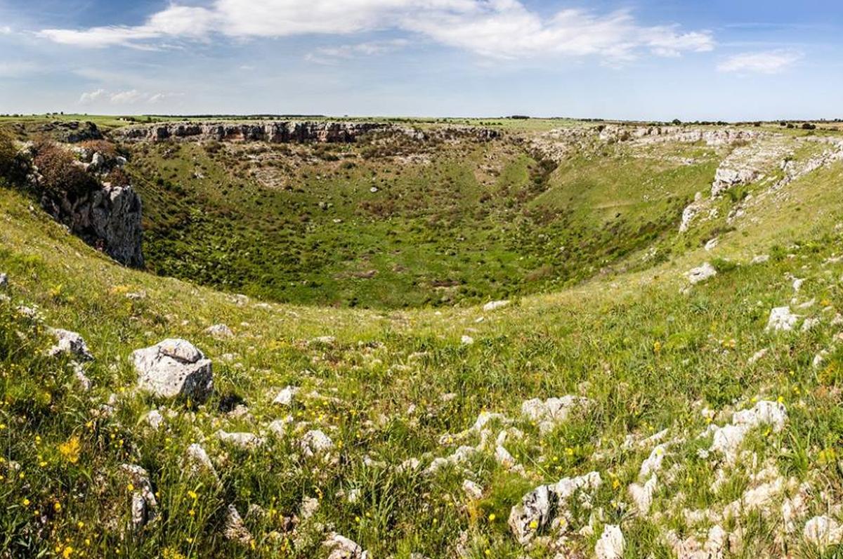 Pulo di Altamura, la più grande dolina carsica dell'Alta Murgia