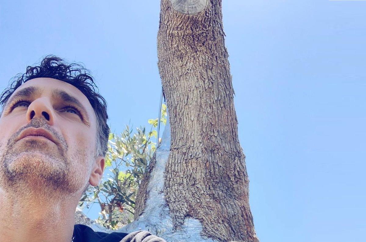 Raoul Bova ama la Puglia: ha aperto un'attività nella Valle d'Itria