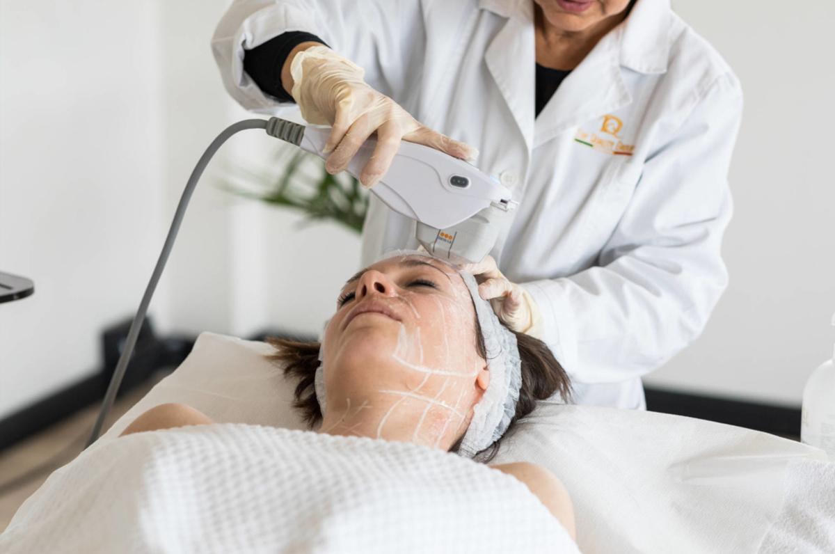 HIFU Top viso e corpo: pelle rimodellata senza la chirurgia