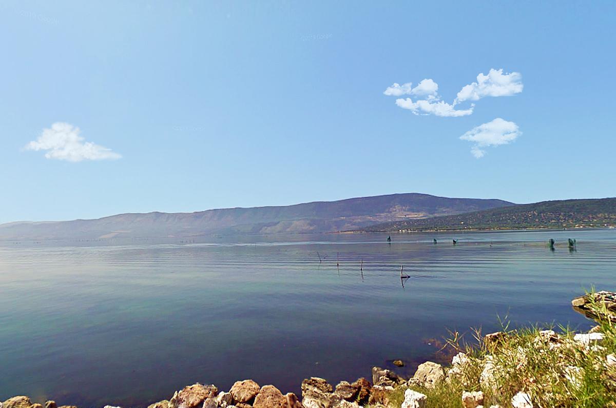 Lago di Varano, bellezza naturale ai piedi del Gargano