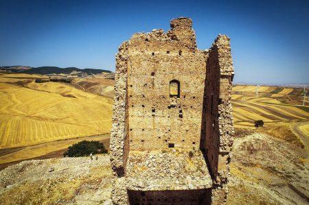 Sedia del Diavolo, l'affascinante rudere dell'antica Montecorvino