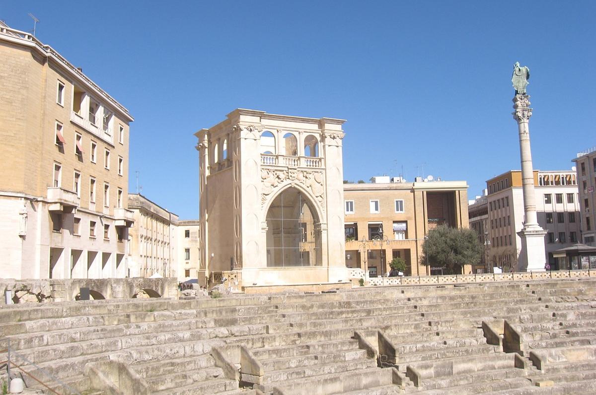 """Piazza Sant'Oronzo, la bellezza leccese su """"Le Monde"""""""