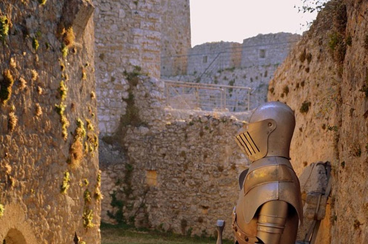 Castello di Monte Sant'Angelo, la leggenda del fantasma di Bianca Lancia