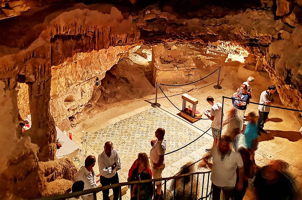 Grotta di Sant'Oronzo, luogo di culto sotterraneo di Turi