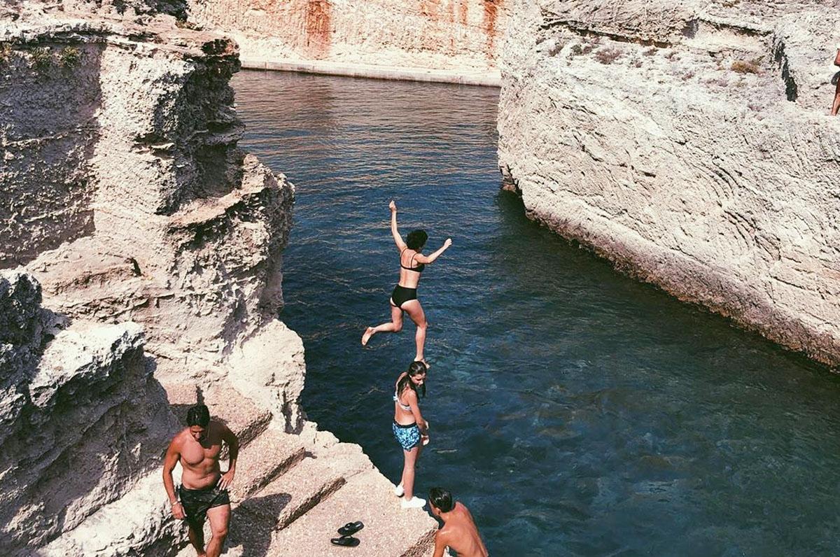 Marina di Novaglie, mare profondo e blu di Puglia
