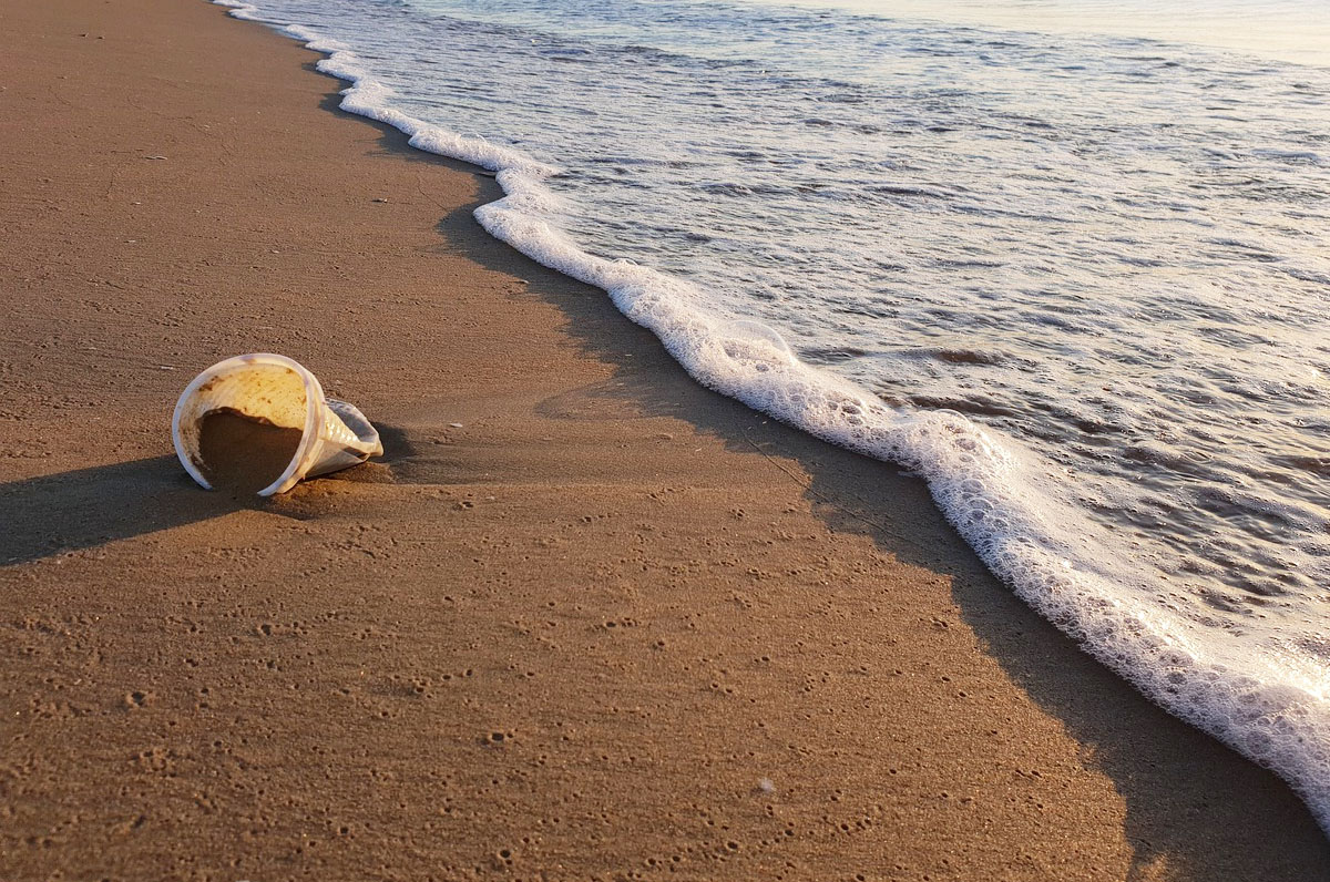"""Consiglio di Stato: """"Le spiagge di Puglia restano plastic free"""""""