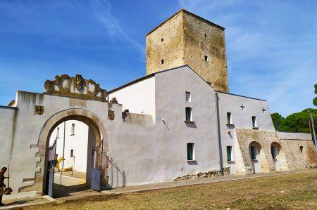 Torre Alemanna, unica fortezza insediata del Mediterraneo