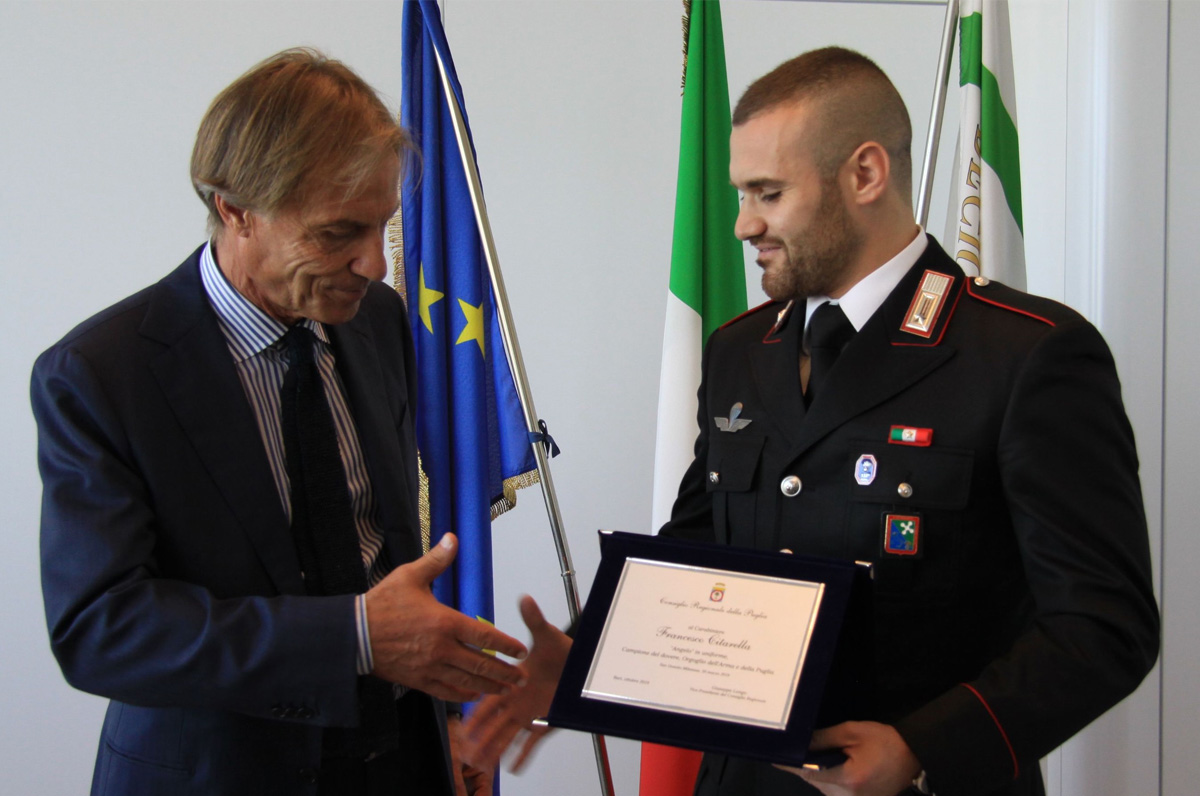 Salvò 51 studenti: targa al carabiniere pugliese Citarella