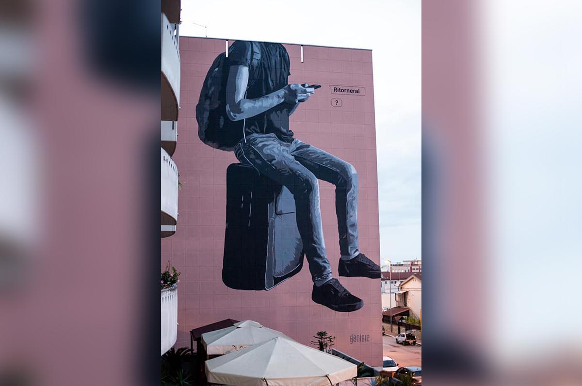 """""""Ritornerai?"""", ad Andria un murale per gli studenti fuori sede"""
