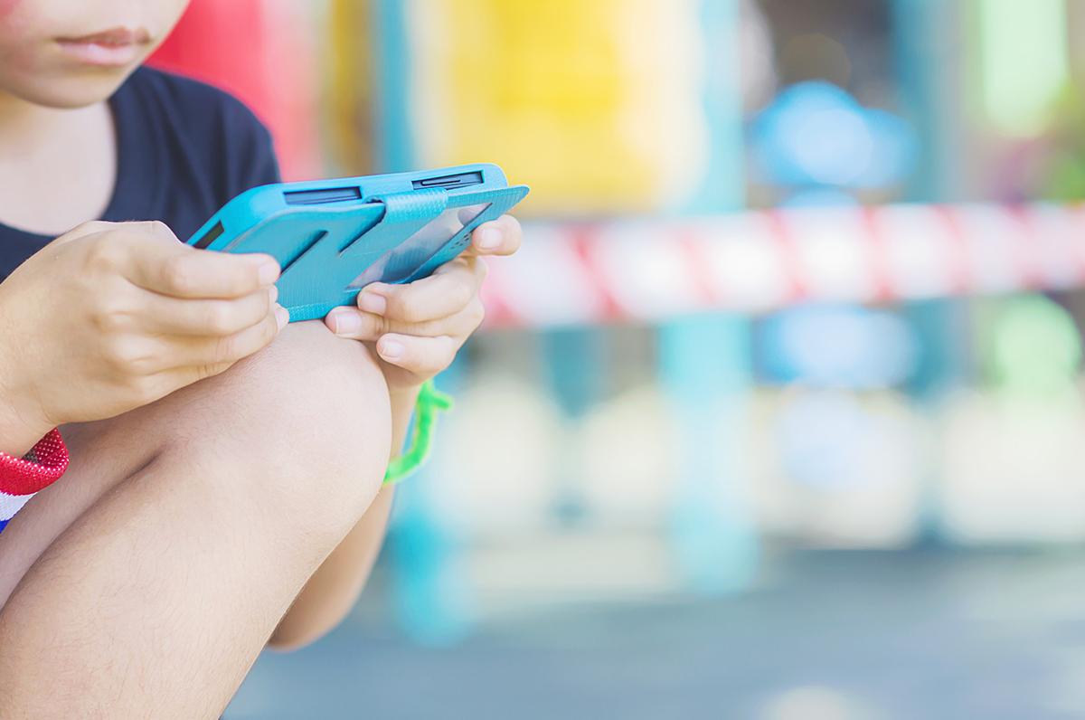 12enne restituisce cellulare ai genitori per poter tornare a suonare