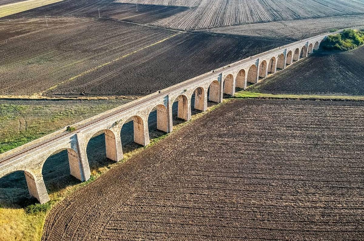 Ponte 21 archi, il viadotto fantasma di Spinazzola