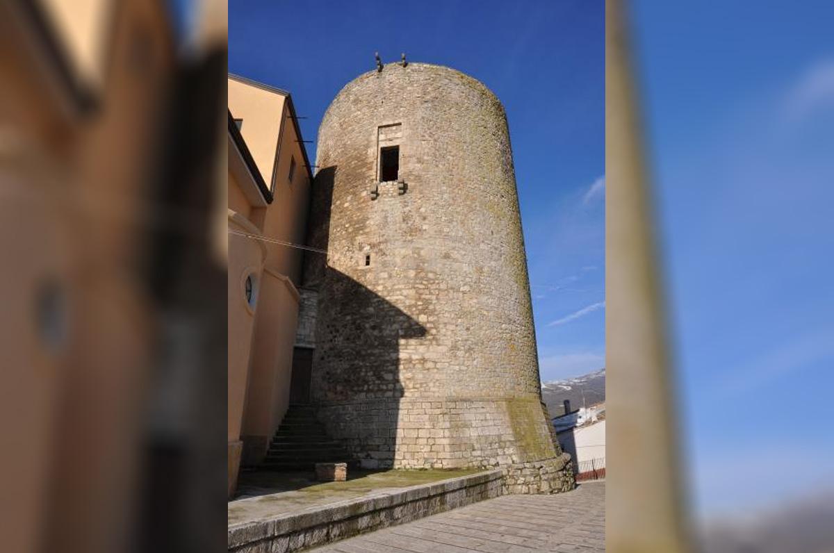 Torre bizantina, gioiello architettonico di Castelluccio Valmaggiore