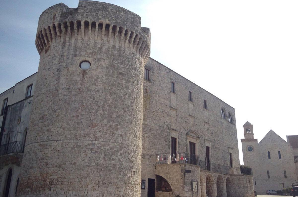 Castello di Conversano, millenaria fortezza normanna