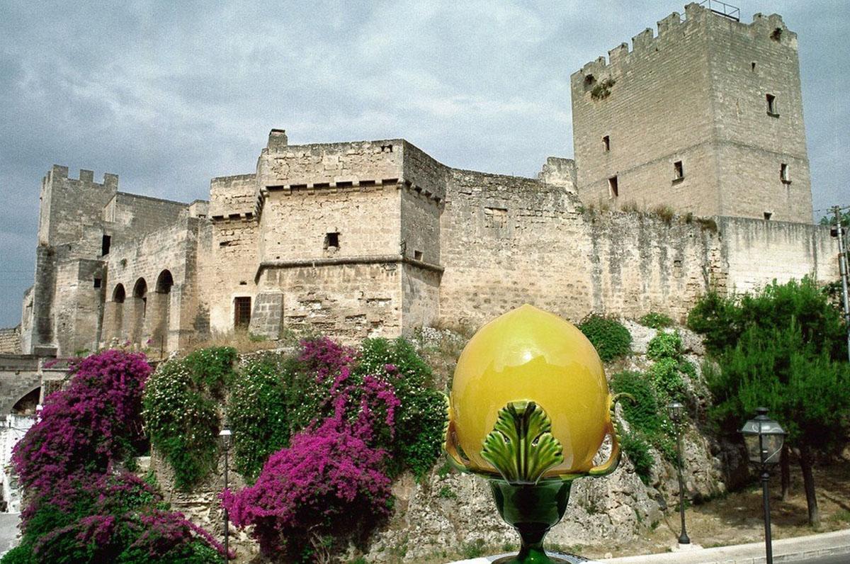 Castello e Museo della Ceramica, storia e tradizioni di Grottaglie