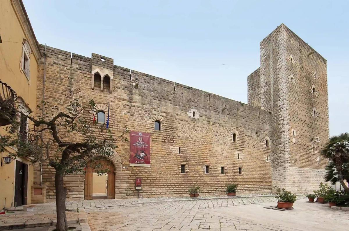 Castello di Gioia del Colle, importante maniero federiciano