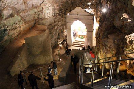 Grotta San Michele Puglia