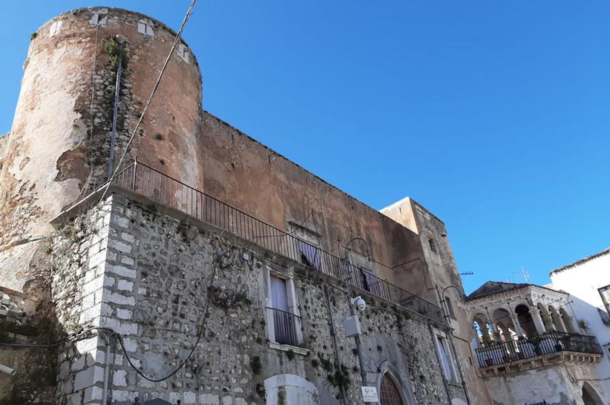 Castello di San Nicandro Garganico acquistato dal Comune