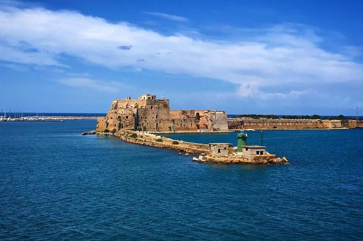 Castello Alfonsino di Brindisi, opera fortificata sull'isola di Sant'Andrea