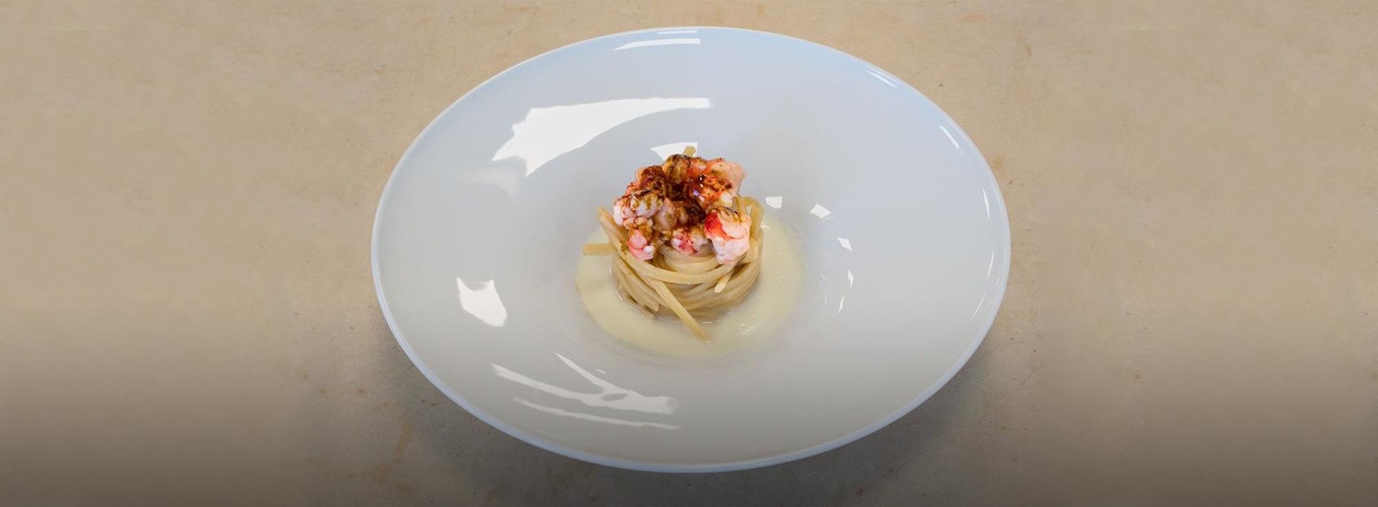 Ricetta: Linguine al gambero rosso di Gallipoli, aglio di Altamura e liquirizia
