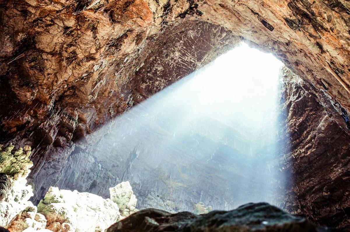 #mentreseiacasa, tour virtuale delle Grotte di Castellana