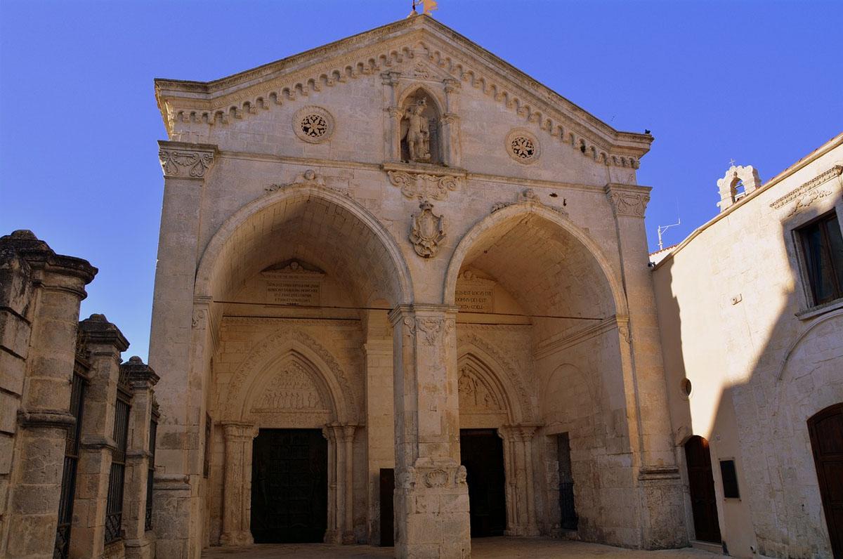 Via Micaelica, pellegrinaggio a piedi verso Monte Sant'Angelo