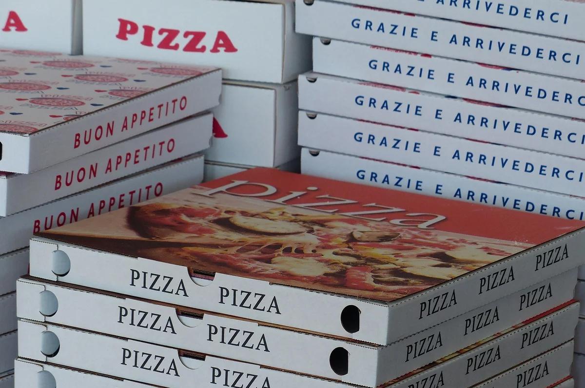 Covid-19, pizze e gelati al personale del Policlinico di Bari