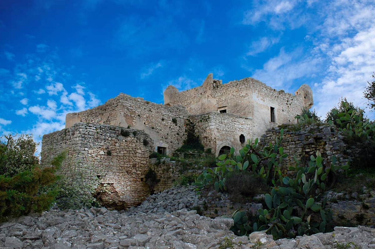 Torre di Navarino, la storia dei tre fantasmi di Molfetta