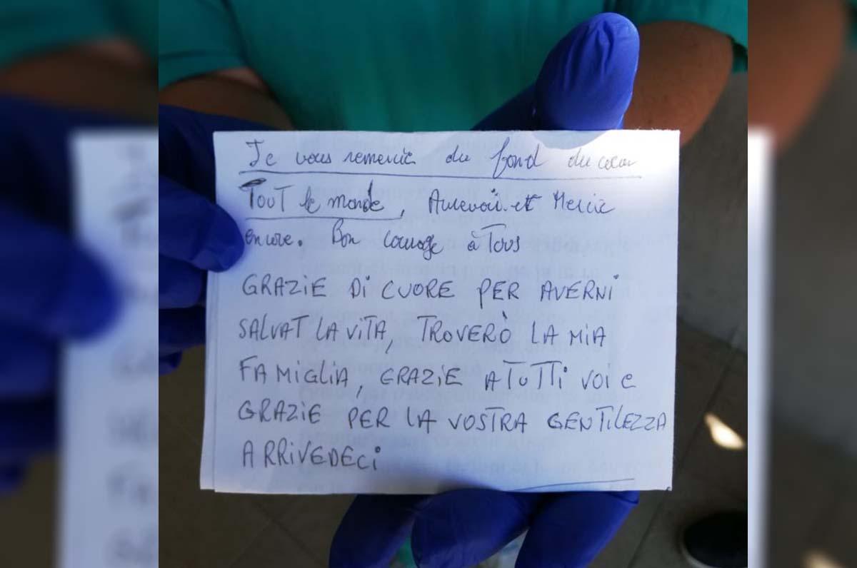 bigliettino di ringraziamento di un paziente guarito dal coronavirus