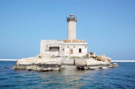Ristrutturazione del faro del Porto di Brindisi