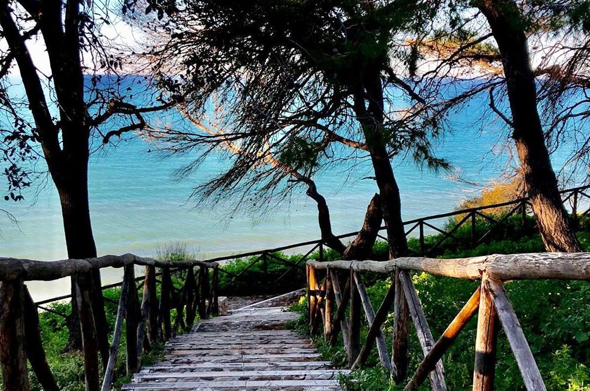 Spiaggia dei Cento Scalini o delle Tufare, meraviglia vista mare