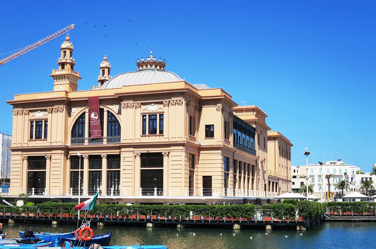 Teatro Margherita, l'unico in Europa costruito sulle palafitte