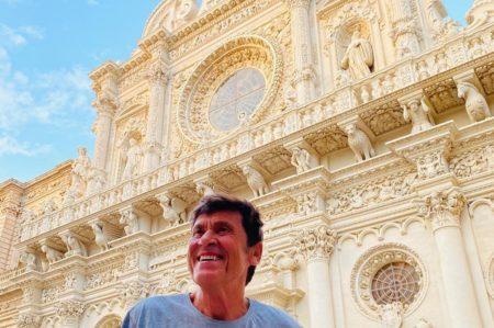 Gianni Morandi in vacanza a Lecce