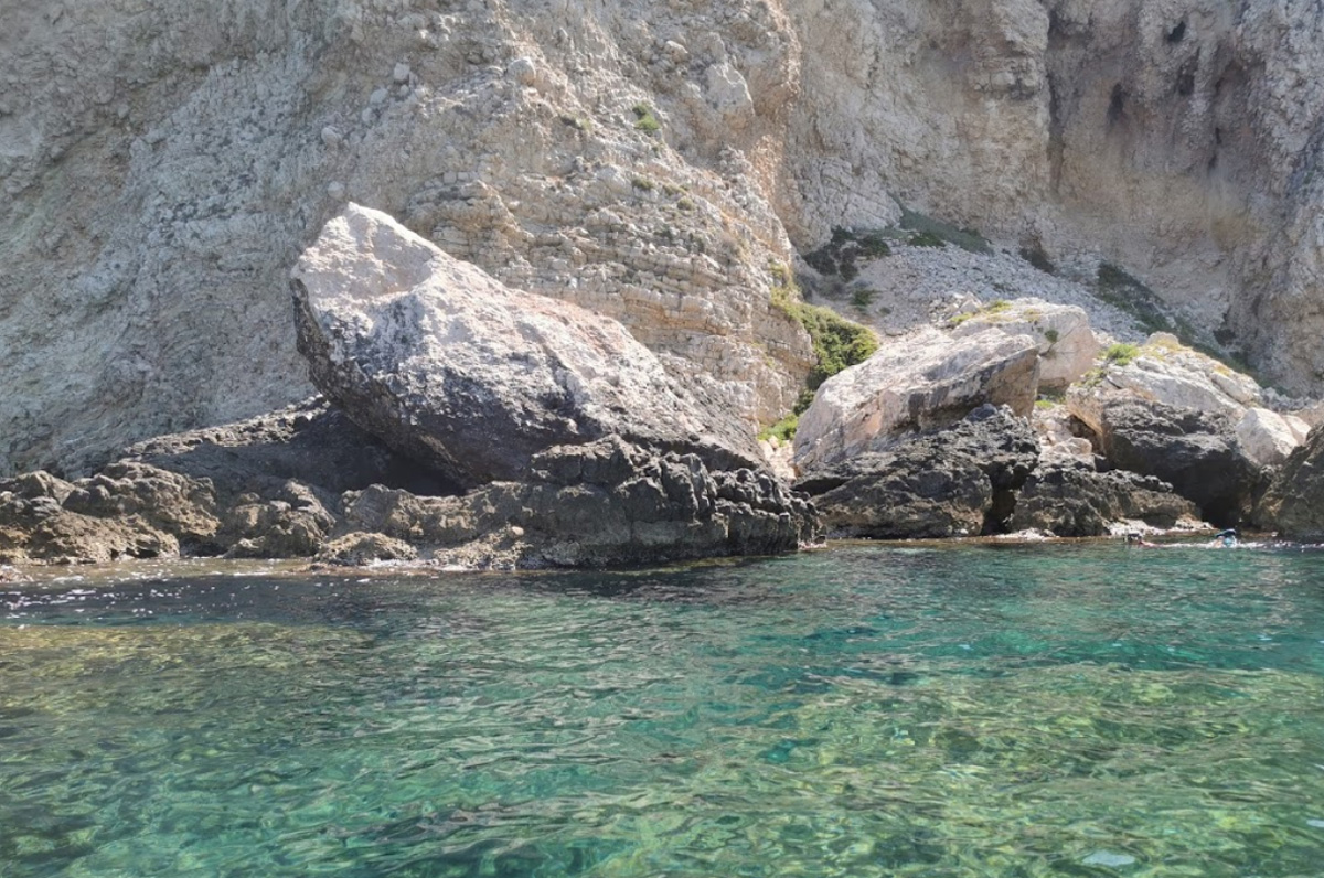 Grotta dell'Amore, romantica cala delle Isole Tremiti