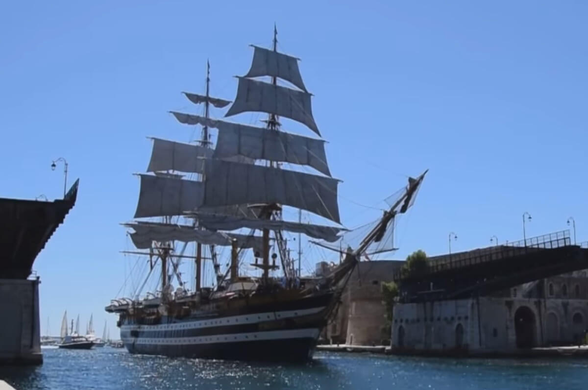 Taranto, la storica nave Amerigo Vespucci incanta la città - Puglia.com