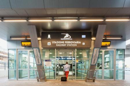 Aeroporto di Bari, attivo il pagamento in contactless