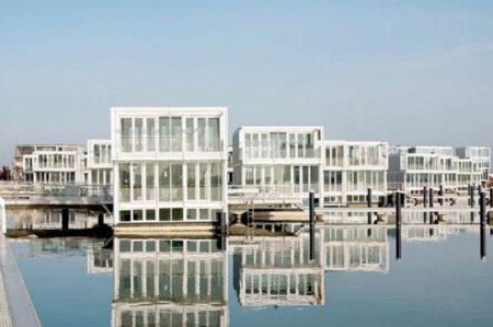 Case galleggianti di Mola di Bari