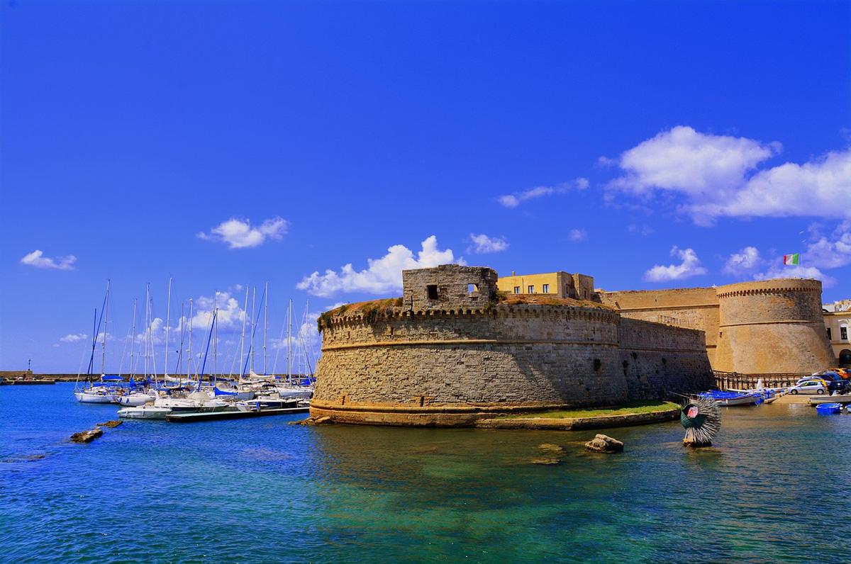 Castello di Gallipoli, fortezza circondata dal mare
