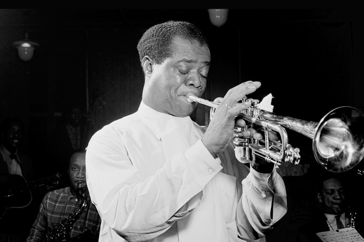Palazzo Pesce, omaggio a Louis Armstrong