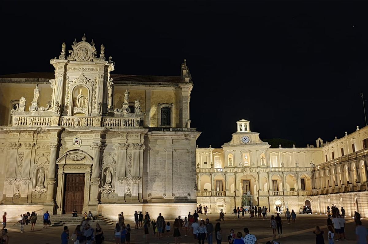 Piazza Duomo, chicca barocca nel centro di Lecce