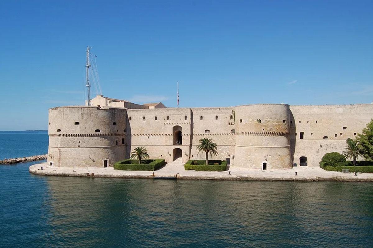 Capitale Italiana della Cultura 2022, finaliste Bari e Taranto